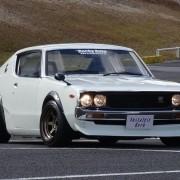 昭和を代表するケンメリ GT-Rの存在感。